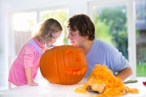 father daughter pumpkin